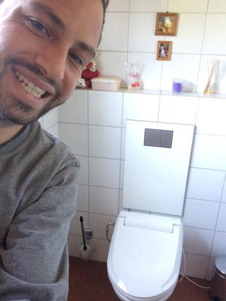 urinal reinigen excellent moderne bder urinal und bidet sind fest integriert with urinal. Black Bedroom Furniture Sets. Home Design Ideas