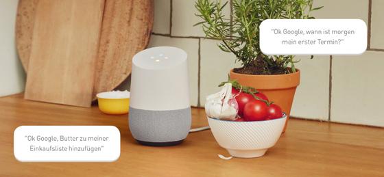 Mit Google Home lässt sich der Alltag erleichtern, so setzt der sprachgesteuerte Lautsprecher auf Wunsch Butter auf die Einkaufsliste oder informiert über den nächsten anstehenden Termin.