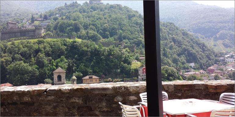 Ausblick vom Castelgrande, Tessin