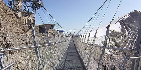 Spektakuläre Hängebrücke, TITLIS Cliff Walk, Luzern