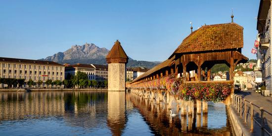 Die Kapellbrücke in der charmanten Stadt Luzern.