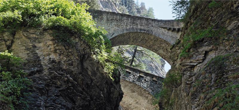 Eines der Highlights in der Region Graubünden ist die beeindruckende Viamala Schlucht.