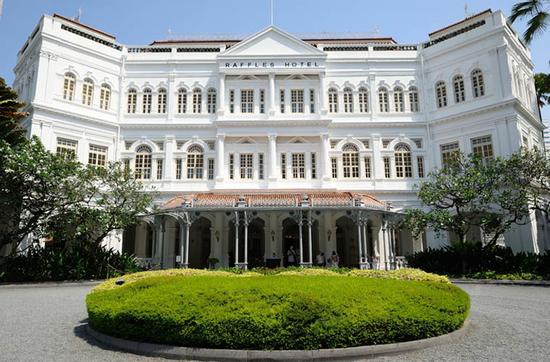 Das Raffles Hotel - die luxuriöse Unterkunft im Kolonialstil.