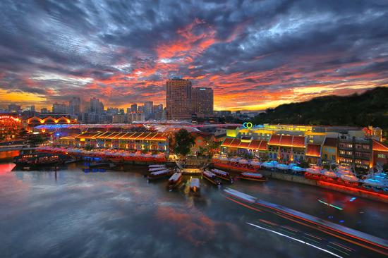 Singapurs Nachtleben bietet abwechslungsreiche Unterhaltungsmöglichkeiten.
