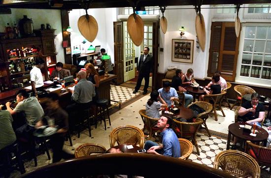Long Bar im Raffles Hotel.