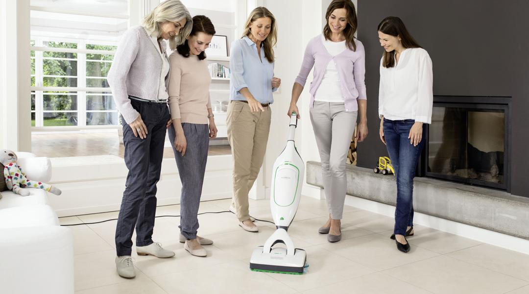 150 Markenjury-Mitglieder können sich vom Saugwischer selbst überzeugen, indem sie ihn in ihrer alltäglichen Reinigungsroutine ausprobieren.
